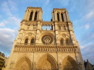 Notre_dame_Parijs_a_la_carte