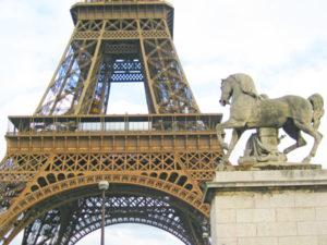 Parijs-eiffeltoren-paard