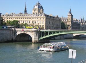batobus-op-de-seine-Parijs