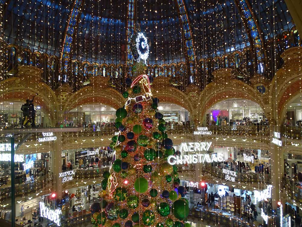 Kerst bij warenhuis Lafayette in Parijs