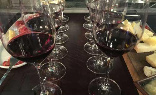 Diner met wijnarrangement in beste wijnbar Parijs