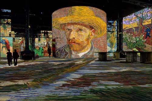 Interactieve lichttentoonstelling in Parijs van werken en leven van Vincent van Gogh